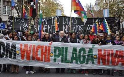Cumbre indígena en Buenos Aires